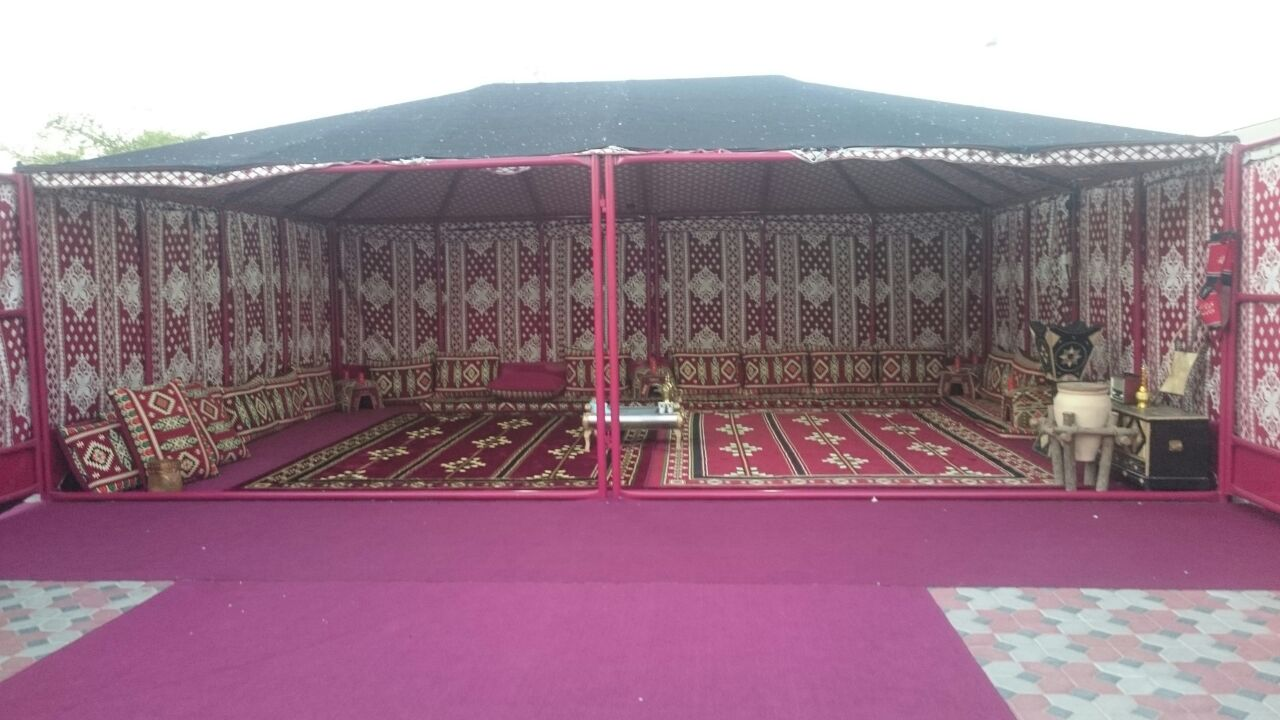 خيمة على هيكل حديد